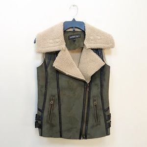 Members Only Green Faux Suede Sherpa Vest Buckles
